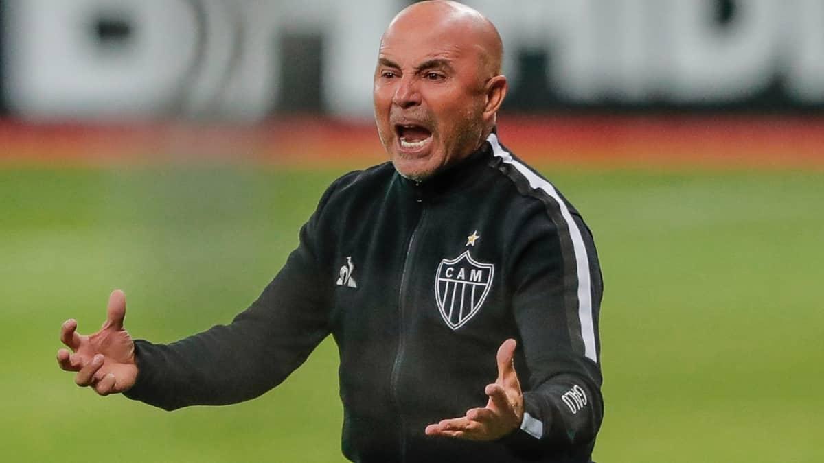 Sampaoli treinou o Santos e recusou proposta do Palmeiras.