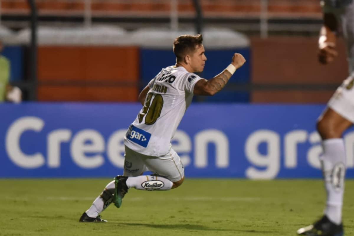Soteldo marcou belo gol no jogo entre Santos x Botafogo.