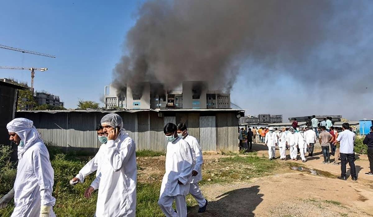 Funcionários precisaram ser evacuados com urgência, mas pelo menos cinco pessoas foram encontradas mortas