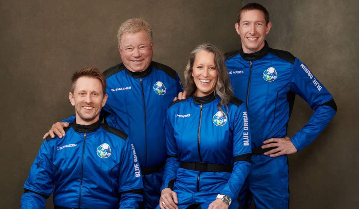 Shatner viajou para a borda do espaço ao lado de Chris Boshuizen, Glen de Vries e Audrey Power