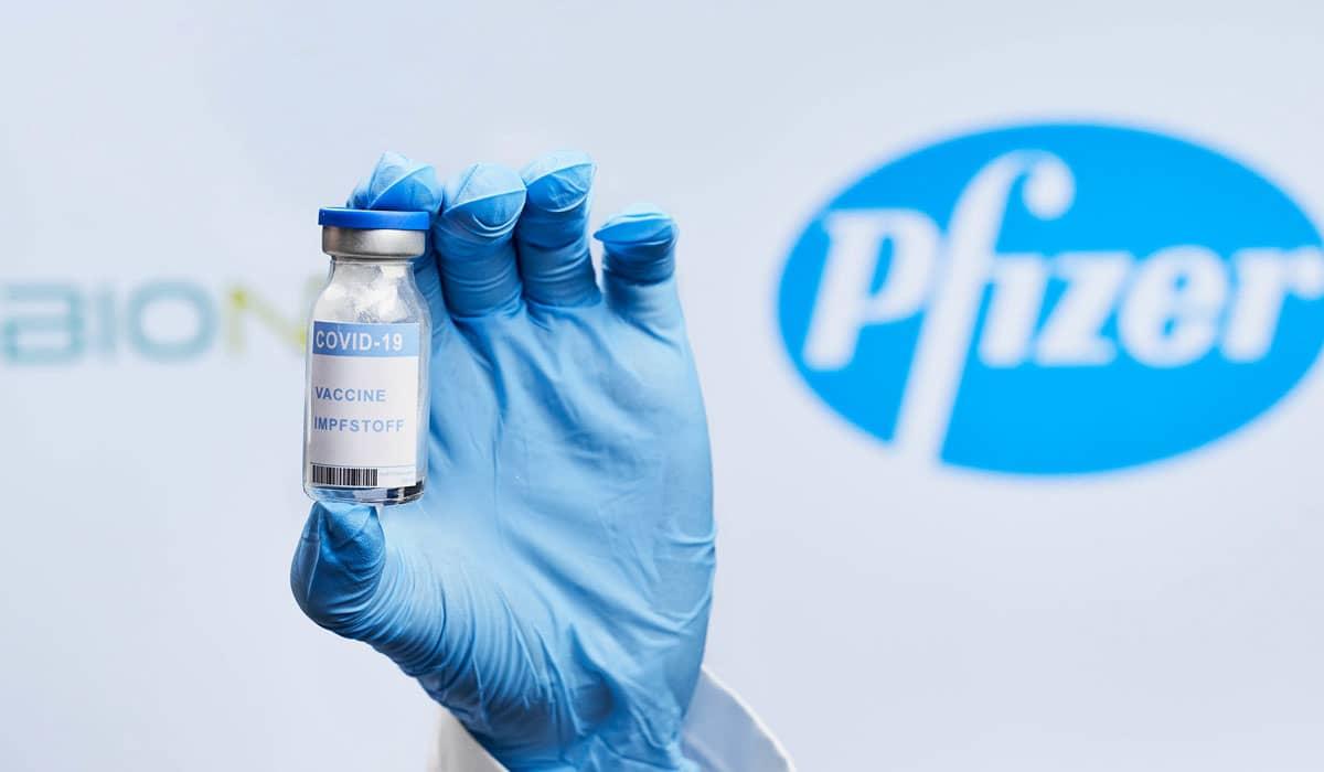 Esta é a primeira vacina contra o novo coronavírus que obtém o registro sanitário definitivo em solo brasileiro