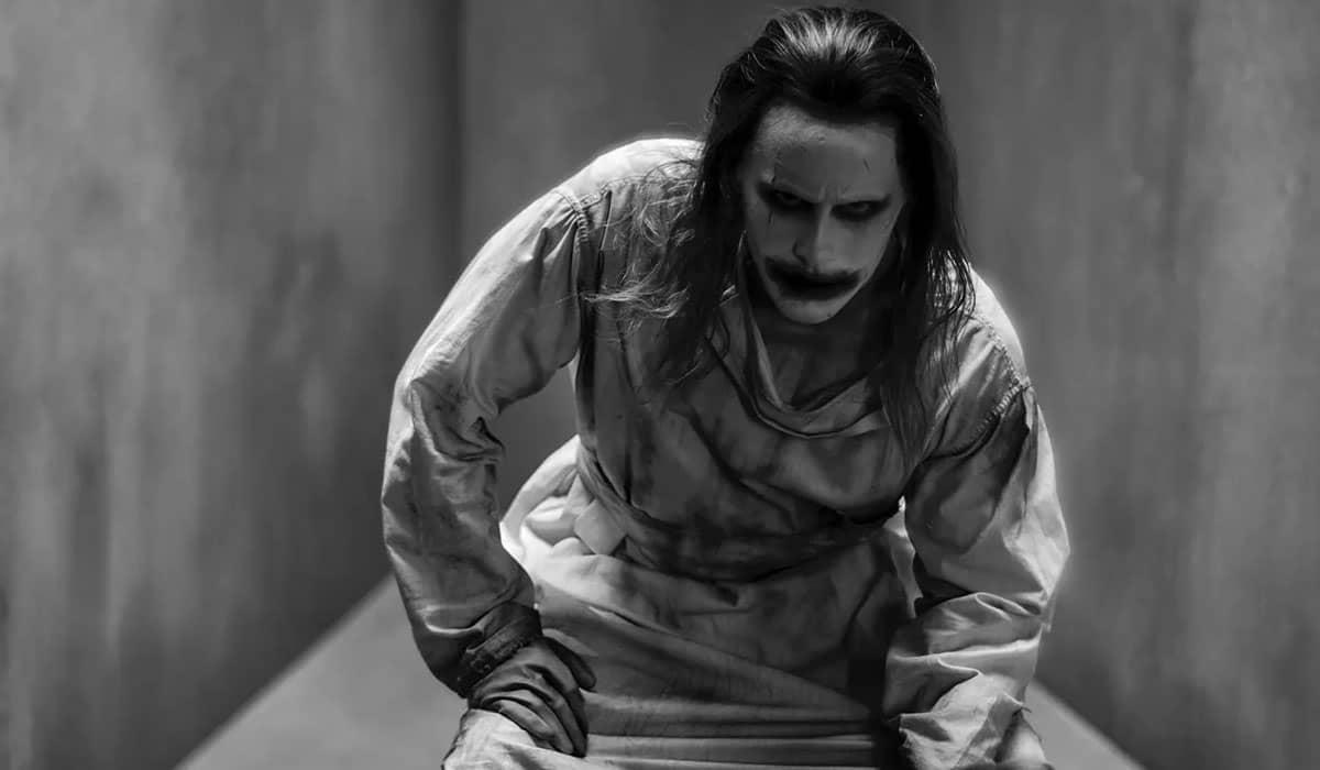Leto abandona o visual do príncipe palhaço para dar lugar à caracterização mais popular do personagem