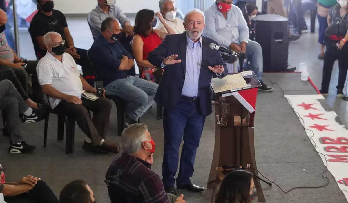 O ex-presidente agradeceu pela decisão tardia de Fachin e disparou múltiplas críticas ao atual governo