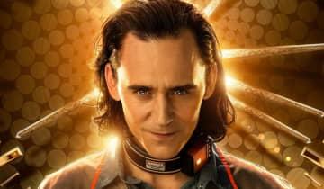 O novo pôster mostra Tom Hiddleston com a roupa da TVA que vimos durante o primeiro trailer da série