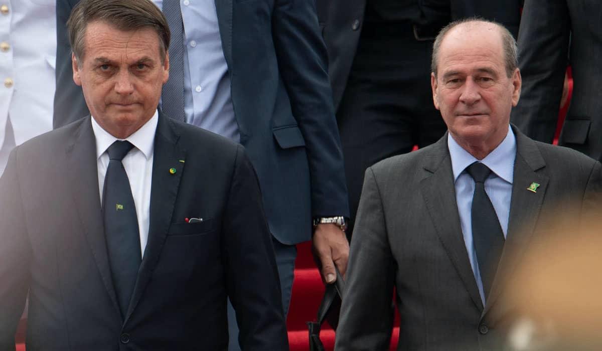 O general agradeceu o presidente Jair Bolsonaro pela confiança e afirma que deixa o cargo com sentimento de 'dever cumprido'