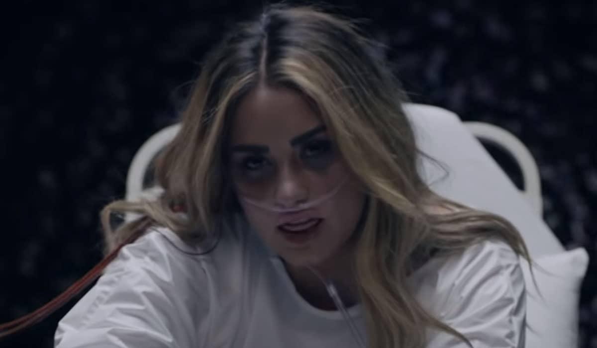 A cantora descreve o clipe como uma catarse definitiva para os eventos angustiantes que mudaram sua vida em 2018