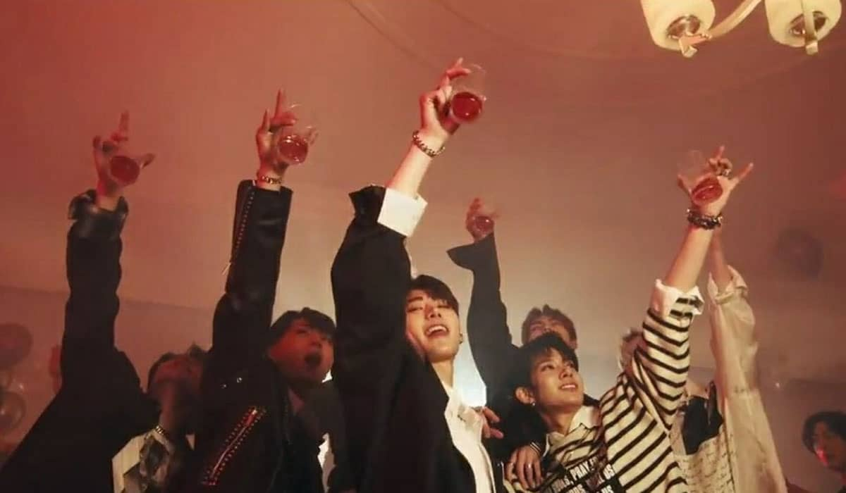 O mini-álbum 'Border: Carnival' marca o primeiro comeback da boyband sul-coreana