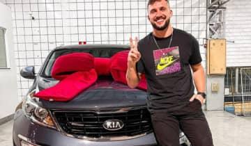 O instrutor de crossfit utilizou sua conta no Instagram para comemorar a compra de um carro da Kia