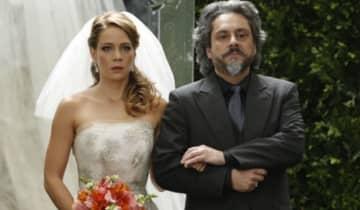 Cristina é levada ao altar por José Alfredo, mas os acontecimentos prévios ao casamento serão eletrizantes