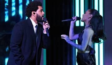 O dono do After Hours ganhou os prêmios de Música do Ano por 'Blinding Lights' e Melhor Artista Masculino