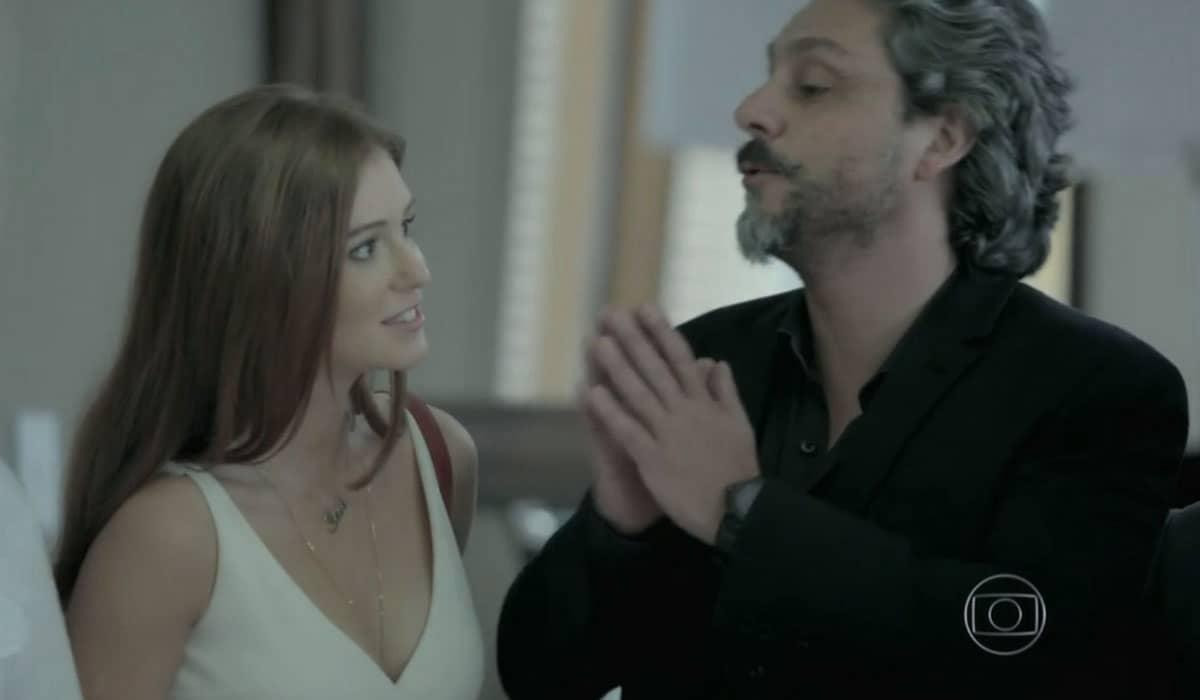 A jovem enfrentará Maria Marta ao aceitar passar uns dias com o Comendador na mansão