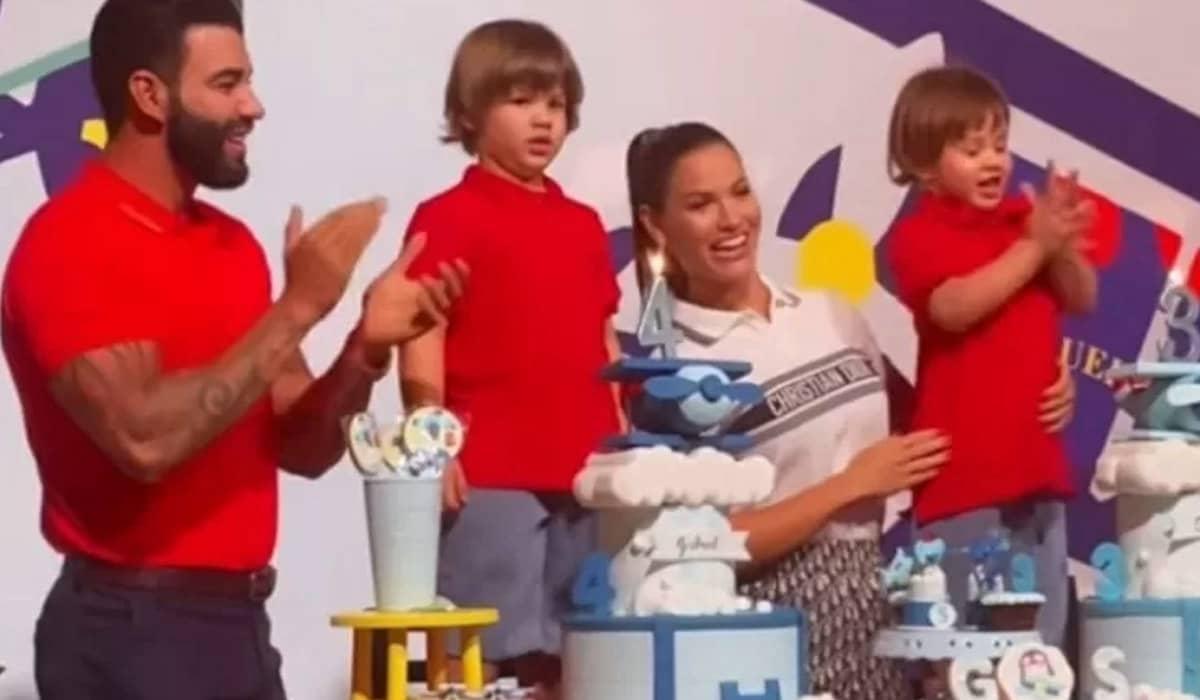 O casal aparece cantando parabéns para Gabriel e Samuel em vídeo publicado nas redes sociais