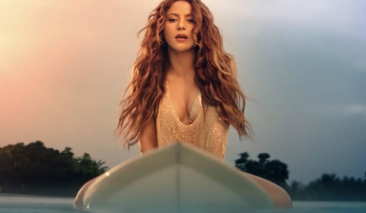 A cantora apostou em uma música dançante sem grandes surpresas, acompanhada de um clipe com ótimo visual