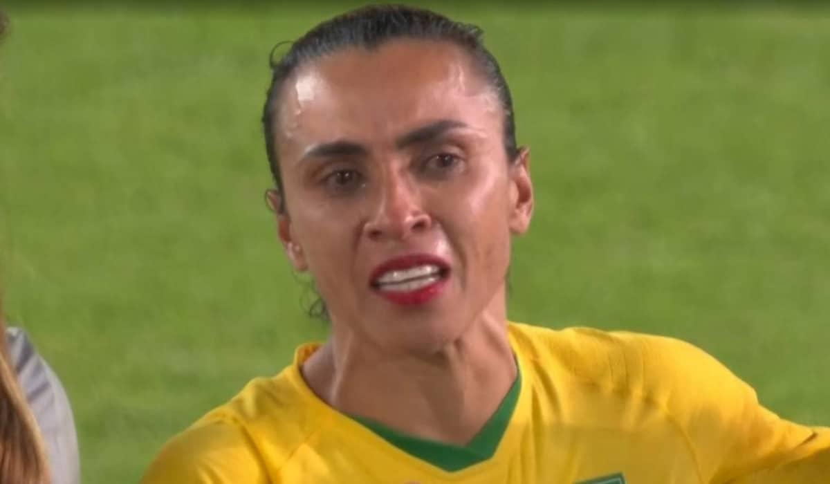 Marta agradeceu pela oportunidade e pediu mais valorização ao esporte feminino para as próximas gerações