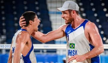 A dupla brasileira despachou os mexicanos Gaxiola e Rubio com grande facilidade na partida desta segunda-feira (2)