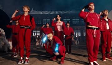 O grupo de K-Pop lançou seu álbum de comeback, 'NOEASY', e estremeceu as redes sociais nesta segunda-feira, 23