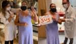 A atriz compareceu ao local de vacinação usando óculos protetores e máscara, e agradeceu ao SUS pelo papel desempenhado na pandemia