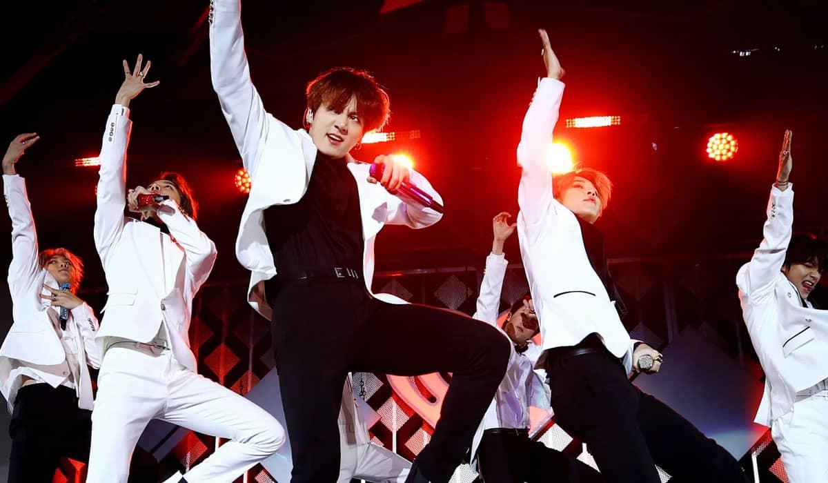 O BTS confirmou que irá se apresentar em quatro ocasiões no SoFi Stadium, em Los Angeles, ainda em 2021