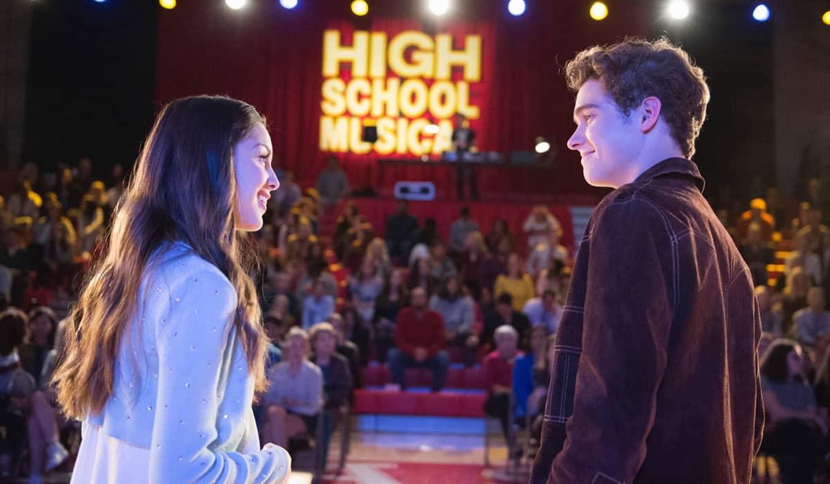 Olivia e Joshua atuaram juntos na série de High School Musical