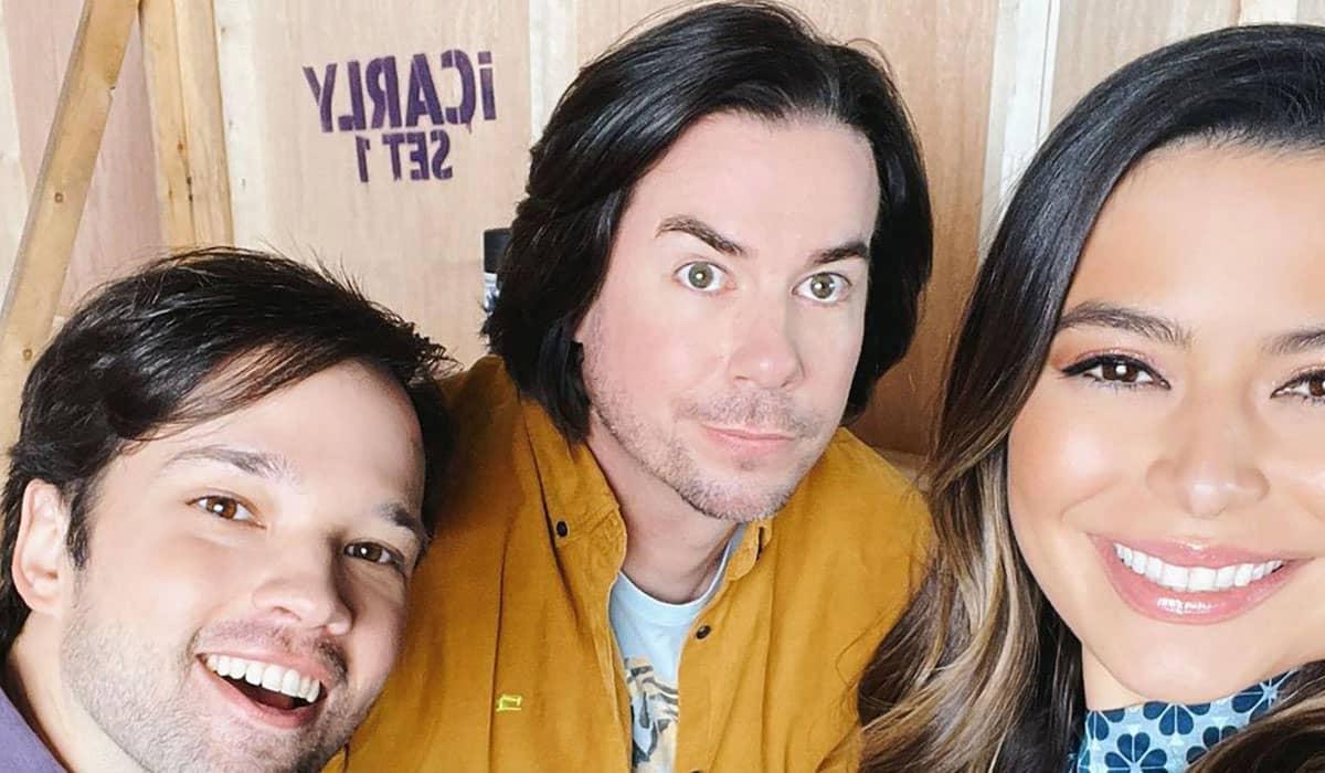 Foto mostra o elenco principal de iCarly nos bastidores do revival
