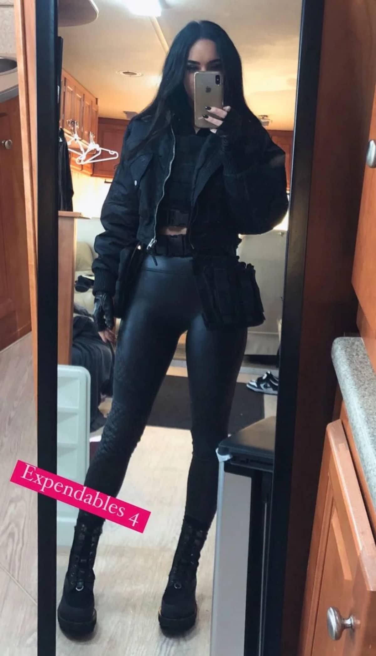 Megan Fox exibiu aos seguidores no Instagram como será o visual de sua personagem em 'Os Mercenários 4'