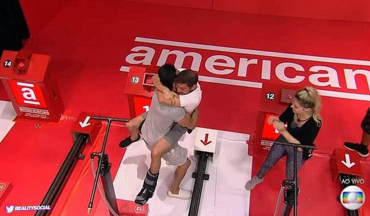 Rodolffo e Caio comemoraram de forma inusitada após a vitória do sertanejo