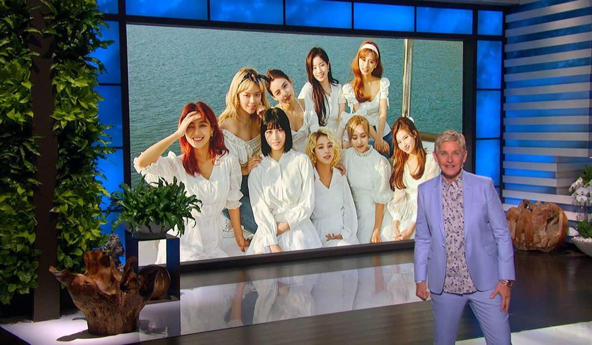 Ellen DeGeneres convocou a apresentação pré-gravada do TWICE no programa exibido na manhã desta quarta-feira (9)