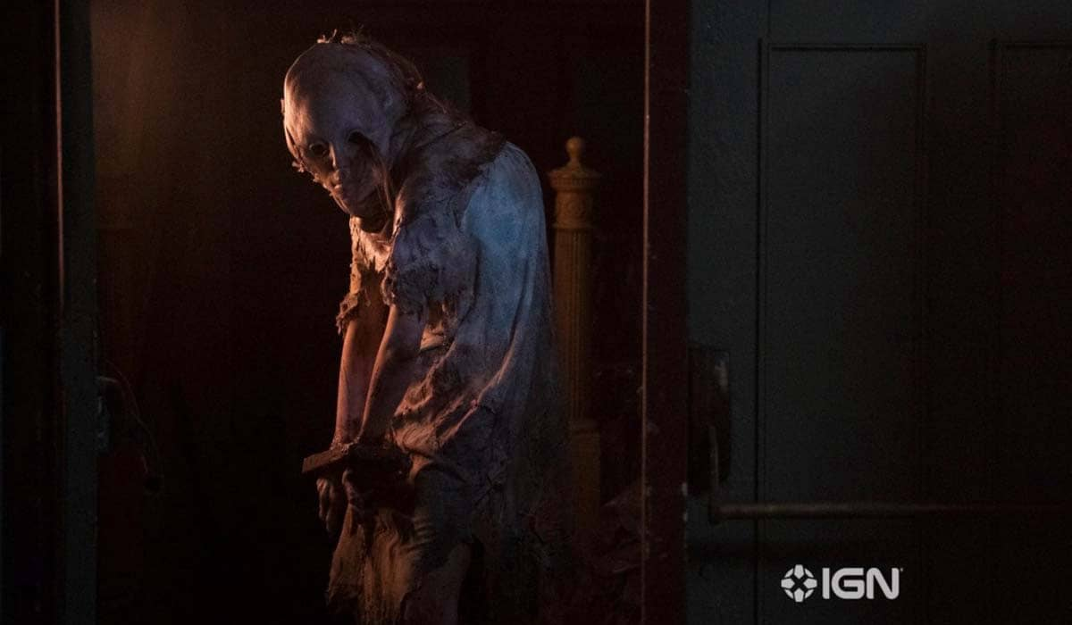 Marina Mazepa interpreta Lisa Trevor, que se transforma monstruosamente após os experimentos da Umbrella